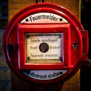 systemy alarmów-przeciwpożarowych